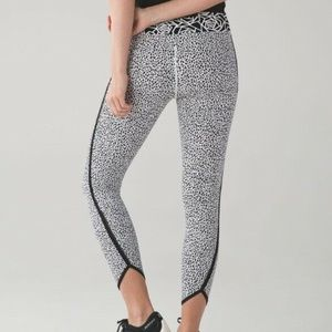 Lululemon Size 6 Miss Mosaic White Posey Leggings